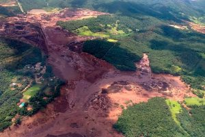 Brumadinho dam collapse: 'Little hope' of finding missing in Brazil