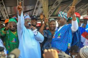 Two Killed, Many Injured As Hoodlums Clash At Oyo APC Rally