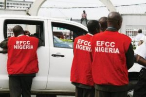 Suspected Internet Fraudsters Release Dog On EFCC Detectives
