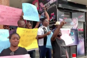 Nigerians are Tired. Peaceful Protest at Ikeja City Mall. – SOUTH AFRICA KLLINGS