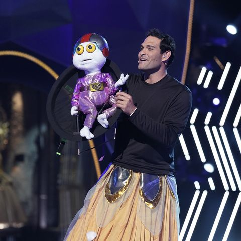 """the masked singer mark sanchez in the """"the group b play offs   cloudy with a chance of clues"""" episode of the masked singer airing wednesday, oct 14 800 900 pm etpt on fox © 2020 fox media llc cr michael beckerfox"""